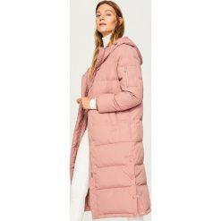 Płaszcze damskie: Różowy pikowany płaszcz - Różowy