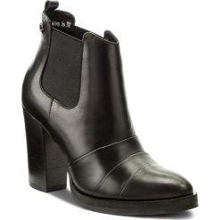 Botki CARINII - S4178  E50-000-POL-B77. Czarne buty zimowe damskie marki Carinii, z materiału. W wyprzedaży za 199,00 zł.