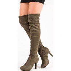 ZAMSZOWE MUSZKIETERKI NA SZPILCE. Zielone buty zimowe damskie SUPER ME, z zamszu, na szpilce. Za 85,00 zł.