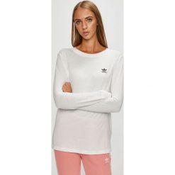Adidas Originals - Bluzka. Szare bluzki asymetryczne adidas Originals, z bawełny, casualowe, z okrągłym kołnierzem. W wyprzedaży za 139,90 zł.