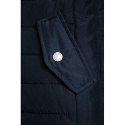 Abercrombie & Fitch CORE Płaszcz zimowy navy. Niebieskie kurtki chłopięce Abercrombie & Fitch, na zimę, z materiału. Za 589,00 zł.