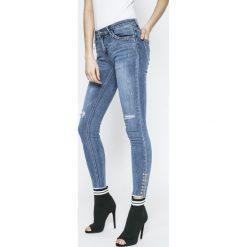 Answear - Jeansy Sporty Fusion. Niebieskie rurki damskie ANSWEAR, z bawełny. W wyprzedaży za 99,90 zł.