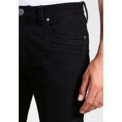 Armani Exchange Jeansy Slim Fit black. Czarne jeansy męskie relaxed fit marki Armani Exchange, l, z materiału, z kapturem. W wyprzedaży za 439,20 zł.