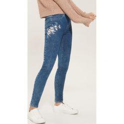 Jegginsy z haftem - Niebieski. Niebieskie legginsy House, z haftami, z jeansu. Za 79,99 zł.