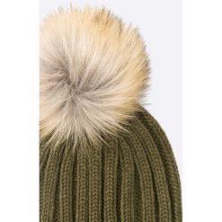 Missguided - Czapka i szalik. Brązowe czapki zimowe damskie marki Missguided, na zimę, z dzianiny. W wyprzedaży za 59,90 zł.