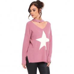 """Sweter """"Etoile"""" w kolorze jasnoróżowym. Czerwone swetry klasyczne damskie marki Cosy Winter, s, prążkowane, z okrągłym kołnierzem. W wyprzedaży za 136,95 zł."""