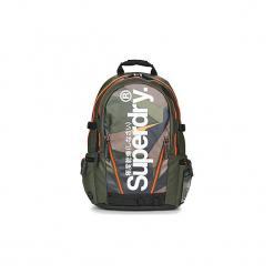 Plecaki Superdry  ANGULAR TARP BACKPACK. Zielone plecaki damskie Superdry. Za 349,00 zł.