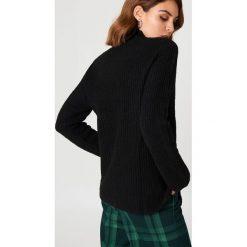Rut&Circle Sweter z dzianiny Marielle - Black. Szare golfy damskie marki Vila, l, z dzianiny, z okrągłym kołnierzem. Za 161,95 zł.