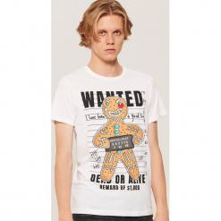 T-shirt ze świątecznym motywem - Biały. Szare t-shirty męskie marki House, l, z bawełny. Za 39,99 zł.