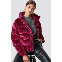 NA-KD Aksamitna kurtka - Pink,Red,Burgundy. Czerwone kurtki damskie NA-KD, z materiału. Za 404,95 zł.