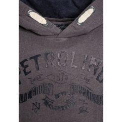 Petrol Industries Bluza z kapturem bright steal. Białe bluzy chłopięce rozpinane marki Petrol Industries, z bawełny. Za 169,00 zł.