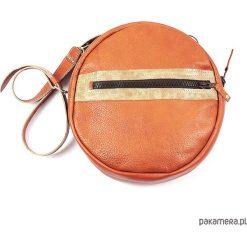 Okrągła podręczna torebka. Pomarańczowe torebki klasyczne damskie Pakamera, ze skóry. Za 235,00 zł.