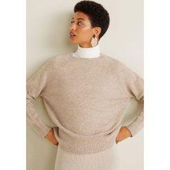 Mango - Sweter Espuma3. Szare swetry klasyczne damskie marki Mango, l, z dzianiny, z okrągłym kołnierzem. W wyprzedaży za 89,90 zł.