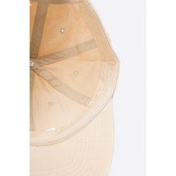 Puma - Czapka. Różowe czapki z daszkiem damskie marki Puma, z bawełny. W wyprzedaży za 49,90 zł.