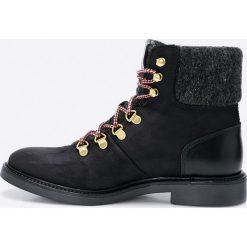 Gant - Botki Ashley. Czarne buty zimowe damskie marki GANT, z materiału, z okrągłym noskiem, na obcasie, na sznurówki. W wyprzedaży za 349,90 zł.
