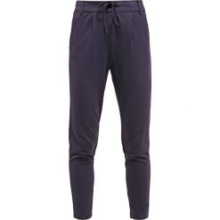 Spodnie dresowe damskie: ONLY ONLPOPTRASH EASY PANT Spodnie treningowe night sky