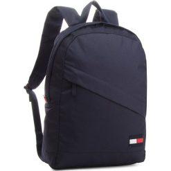 Plecak TOMMY HILFIGER - Tommy Core Backpack AM0AM03588 413. Niebieskie plecaki męskie TOMMY HILFIGER, z materiału. Za 349,00 zł.