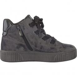 Sneakersy w kolorze szarym. Szare sneakersy damskie marki Marco Tozzi. W wyprzedaży za 122,95 zł.