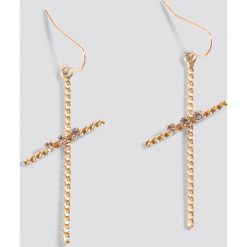 Kolczyki damskie: NA-KD Accessories Kolczyki cienki krzyż – Gold