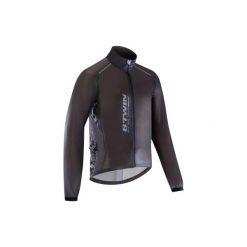 Kurtka przeciwdeszczowa na rower szosowy ROADRACING 900 ULTRALIGHT męska. Czarne kurtki męskie przeciwdeszczowe marki B'TWIN, m, z elastanu. Za 139,99 zł.