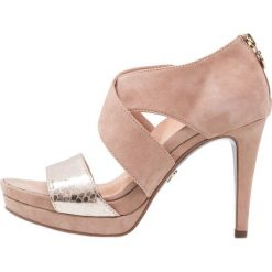 Tamaris Heart & Sole Sandały na obcasie taupe. Różowe sandały damskie Tamaris Heart & Sole, z materiału, na obcasie. Za 379,00 zł.