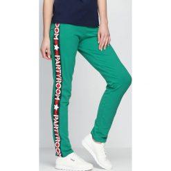 Spodnie dresowe damskie: Zielone Spodnie Dresowe Party Room