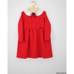 Sukienka z kolnierzykiem i aksamitka. Fioletowe sukienki dziewczęce marki bonprix, z nadrukiem. Za 129,00 zł.