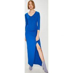 Answear - Sukienka Watch Me. Szare sukienki ANSWEAR, na co dzień, l, z dzianiny, casualowe, maxi, dopasowane. W wyprzedaży za 89,90 zł.