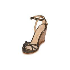 Sandały Petite Mendigote  COLOMBE. Czarne rzymianki damskie Petite Mendigote. Za 511,20 zł.