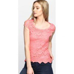 Różowa Bluzka Wild Flower. Czerwone bluzki na imprezę marki Born2be, l. Za 29,99 zł.