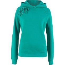 Bluza z kapturem i sznurowaniem bonprix szmaragdowy. Zielone bluzy z kapturem damskie bonprix. Za 69,99 zł.