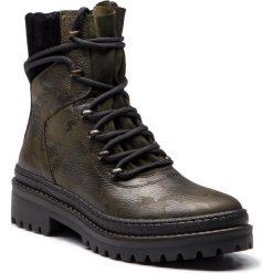 Trapery TOMMY HILFIGER - Modern Hiking Boot C FW0FW03047 Camo 901. Czarne buty zimowe damskie marki TOMMY HILFIGER, z materiału, z okrągłym noskiem, na obcasie. Za 699,00 zł.