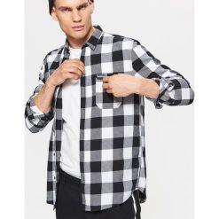 Koszula w kratę z kolekcji BALTIC GAMES - Czarny. Fioletowe koszule męskie marki Cropp, l. Za 79,99 zł.