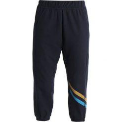 LNDR COOL DOWN TRACKS Spodnie treningowe navy. Niebieskie bryczesy damskie LNDR, l, z bawełny. Za 759,00 zł.