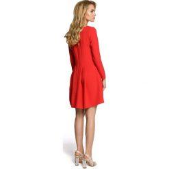 LAUREN Wizytowa sukienka z długimi rękawami - czerwona. Czerwone sukienki koktajlowe Moe, z tkaniny, z długim rękawem. Za 169,90 zł.