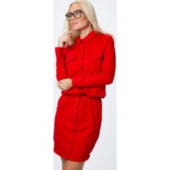 Sukienka zapinana na guziki czerwona 3694. Czerwone sukienki Fasardi, l. Za 79,00 zł.