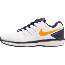 Nike Performance AIR ZOOM PRESTIGE CPT Obuwie do tenisa Indoor white/orange peel/blackened blue/phantom. Białe buty do tenisa męskie Nike Performance, z gumy. Za 419,00 zł.