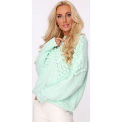 Swetry damskie: Sweter z golfem i pomponami miętowy MISC217