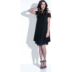 Sukienki: Czarna Sukienka z Odkrytymi Ramionami