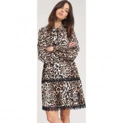 Beżowa Sukienka Longan. Brązowe sukienki mini other, uniwersalny, z długim rękawem. Za 79,99 zł.