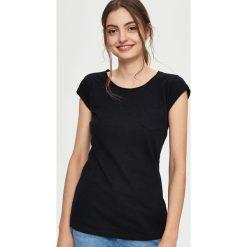 Gładki T-shirt - Czarny. Czarne t-shirty damskie Sinsay, l. Za 19,99 zł.