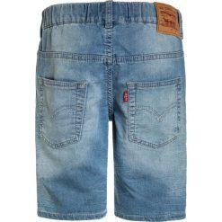 Levi's® BERMUDA JOGGER Szorty jeansowe blue. Brązowe spodenki chłopięce marki Levi's®, z bawełny. Za 249,00 zł.