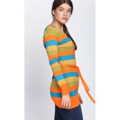Pomarańczowy Sweter Miracles. Brązowe swetry rozpinane damskie marki Born2be, l. Za 29,99 zł.