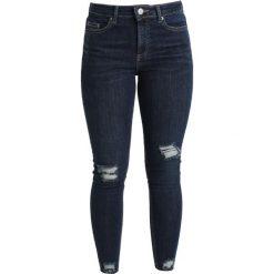Miss Selfridge Petite LIZZIE BUSTED HEM Jeans Skinny Fit blue. Niebieskie boyfriendy damskie Miss Selfridge Petite, petite. Za 209,00 zł.