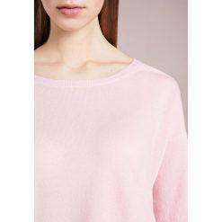 CLOSED WOMEN'S Sweter candy. Czerwone swetry klasyczne damskie CLOSED, l, z kaszmiru. W wyprzedaży za 545,35 zł.