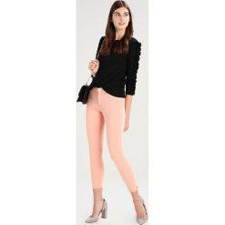 Rurki damskie: Wrangler CROP Jeans Skinny Fit peach