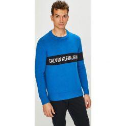 Calvin Klein Jeans - Sweter. Niebieskie swetry klasyczne męskie marki Calvin Klein Jeans, l, z bawełny, z okrągłym kołnierzem. Za 539,90 zł.