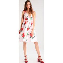 Sukienki hiszpanki: Chi Chi London Tall THALITA Sukienka koktajlowa pink