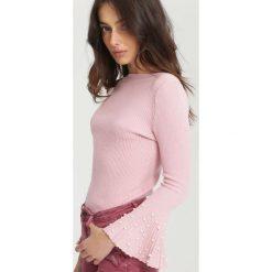 Różowy Sweter Chimera. Czerwone swetry klasyczne damskie marki other, uniwersalny. Za 39,99 zł.