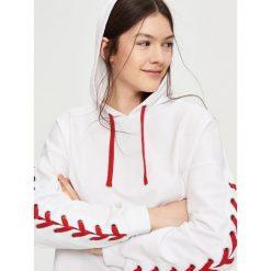 Bluzy rozpinane damskie: Bluza z wiązaniem na rękawach - Biały
